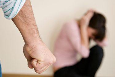 Registro de violência doméstica cai na quarentena, mas mais mulheres morrem