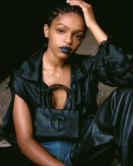 Retrospectiva: 22 itens que marcaram a moda em 2020