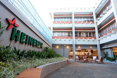 Heineken quer 50% de mulheres na liderança de olho nas consumidoras de cerveja