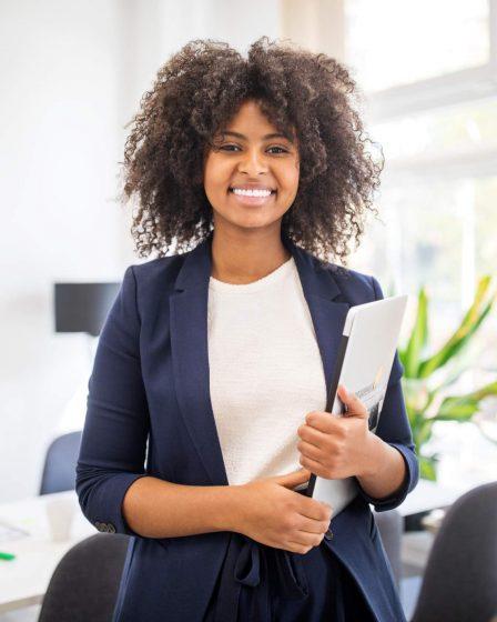 Ambev vai contratar 40 mulheres e pessoas negras para programa de formação em TI