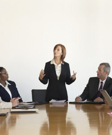 Empresas com mulheres na liderança têm melhores notas ESG, mostra estudo