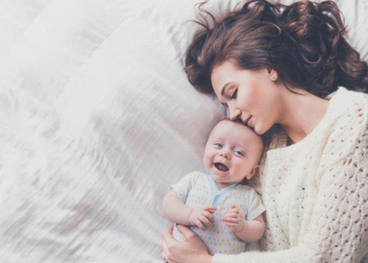 Como é tornar-se mãe após os 50 anos? Três mulheres compartilham as alegrias e os desafios
