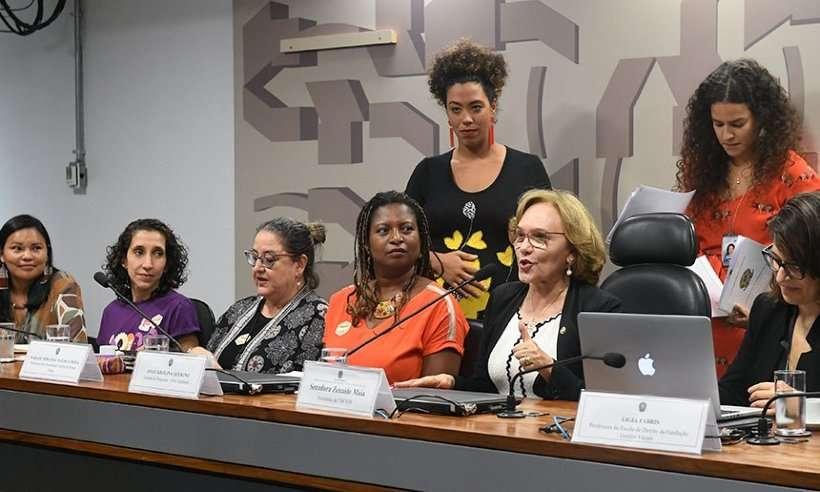 Da direita à esquerda: mulheres enfrentam (e encaram) violência na política
