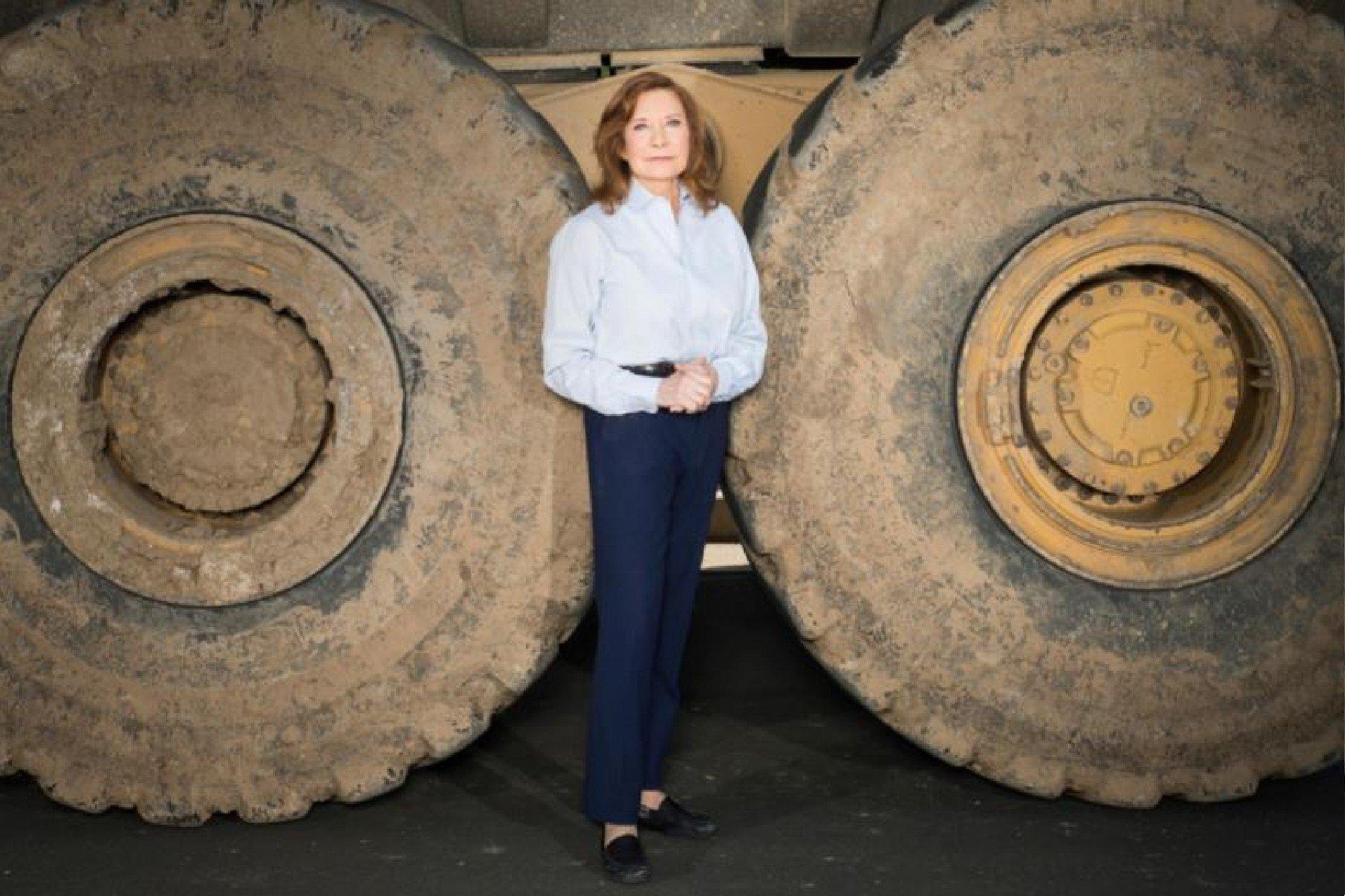 Como uma ex-trabalhadora braçal se tornou uma das mulheres self-made mais ricas dos EUA